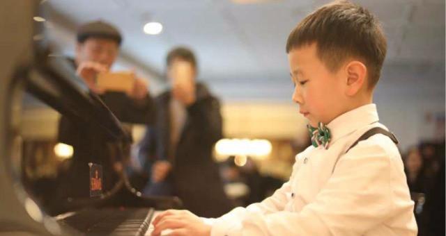 麦瑞克钢琴艺术中心