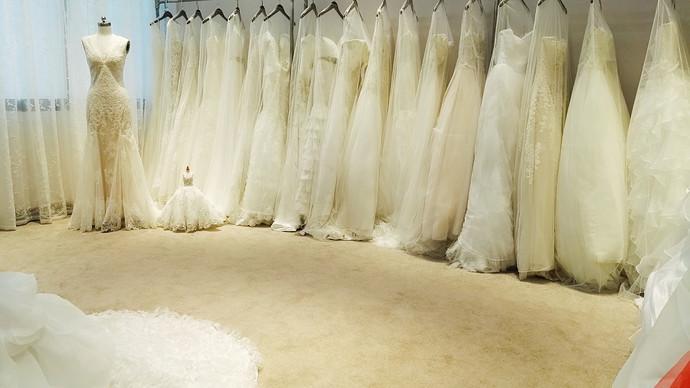 济晗婚纱设计