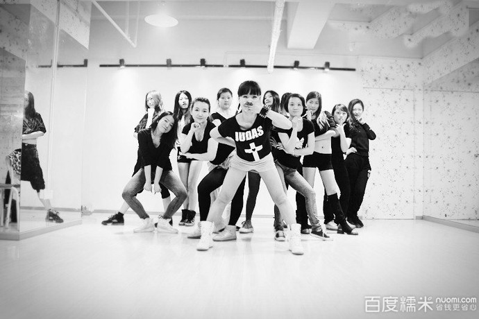 领尚国际连锁舞蹈学校(南山总店)