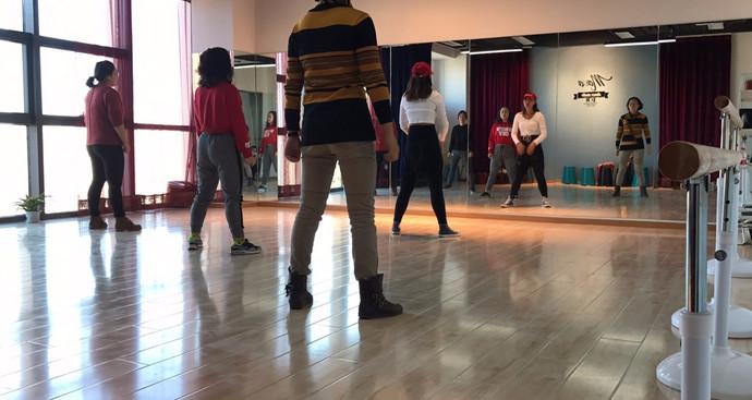 Movo默舞成人少儿舞蹈工作室