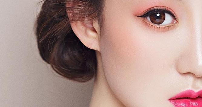 爱弥时尚彩妆造型