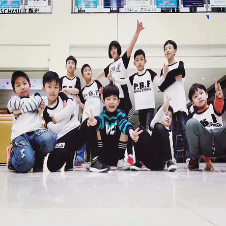 舞芭莎专业舞蹈培训中心(松佛路总店)