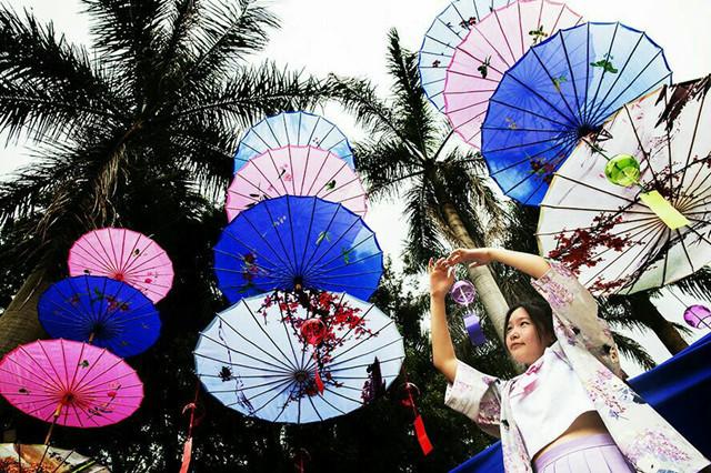七彩油伞风铃节