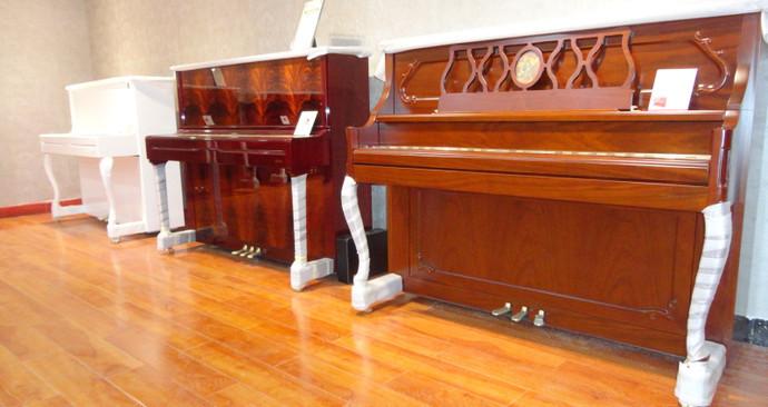 百希钢琴城