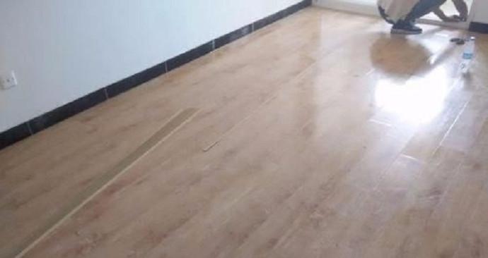 深圳市万平木地板服务