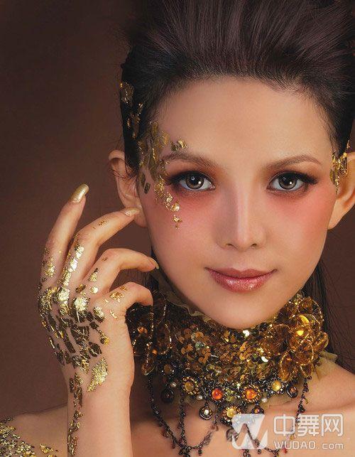 拉丁舞眼妆图片_拉丁舞比赛实用化妆技巧女士必备图片